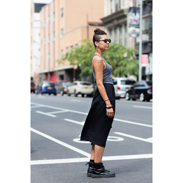 Street Scenes Cool For Summer Black Street Fashion