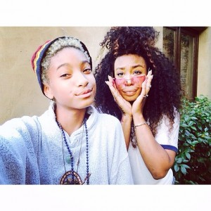 """Listen Watch. SZA And Willow Smith Perform """"Domino""""."""