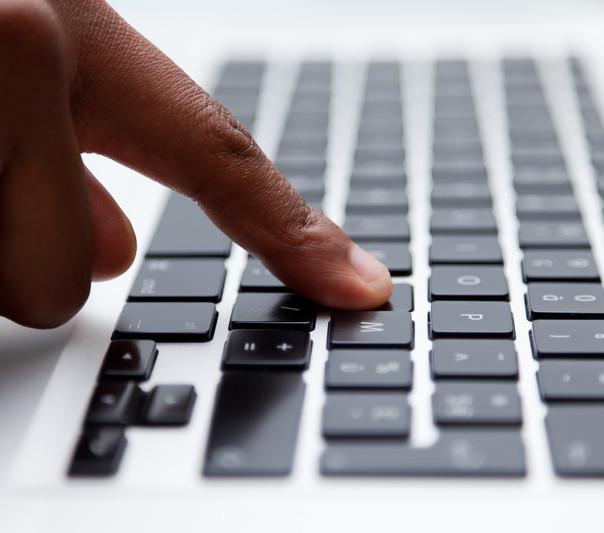 2010 Hispanic Cyber-Study - SlideShare