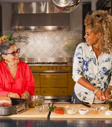 Kelis Gets Festive With Upcoming Cooking Special 'Holiday Feast With Kelis.'