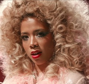 """Watch This. A Glammed Out Kelis in """"The Key."""""""