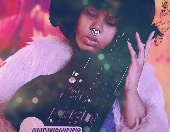 Aeon Fux is the Soulful Otherworldly Cyber Punk You Should Be Listening To.