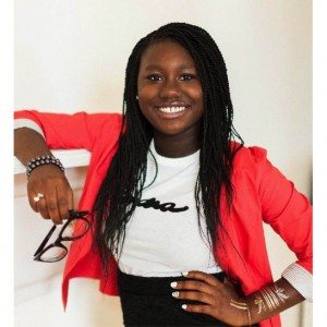 Her Father Didn't Want Her to Buy Make-up.  Now She's 14 and The CEO of Her Own Beauty Company.