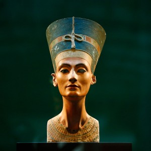 Archaeologist Claims to Have Found the Tomb of Nefertiti.